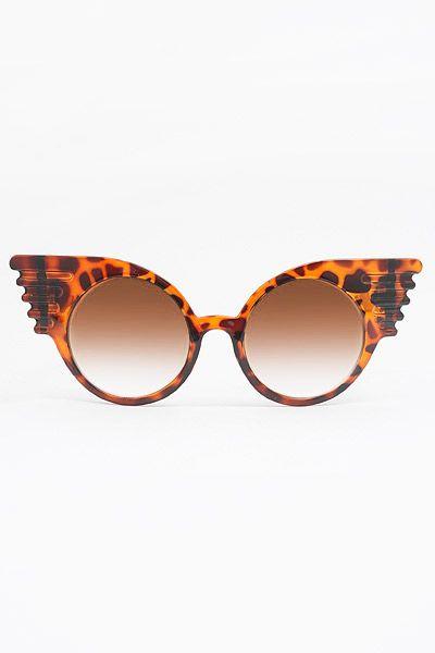 'Zola' Oversized Mod Winged Sunglasses - Tortoise #5225-3