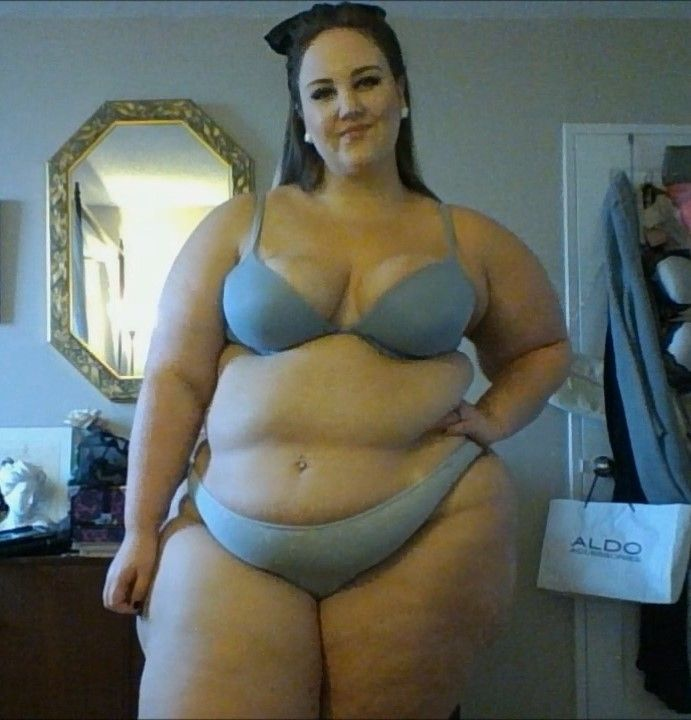 Pin By Big Girl Lover On Bras Pinterest Princess Ssbbw And Curves