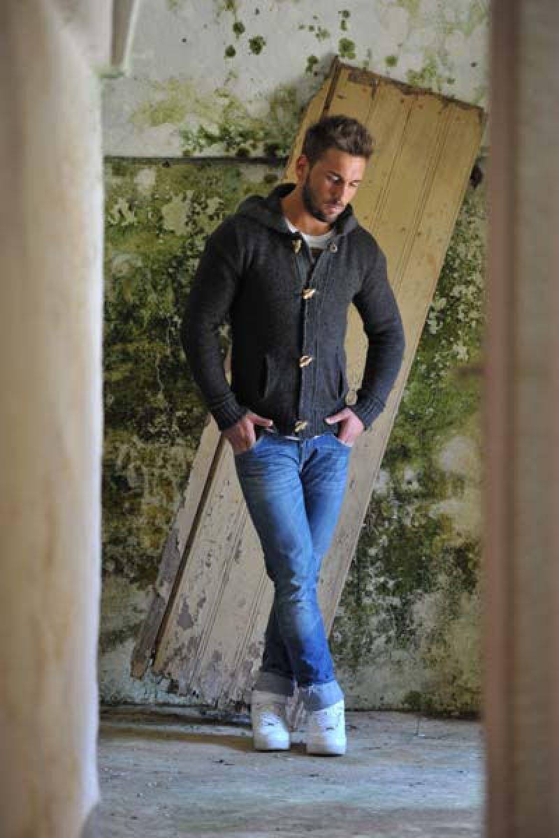Italian brand of men's knitwear casual men clothing ...
