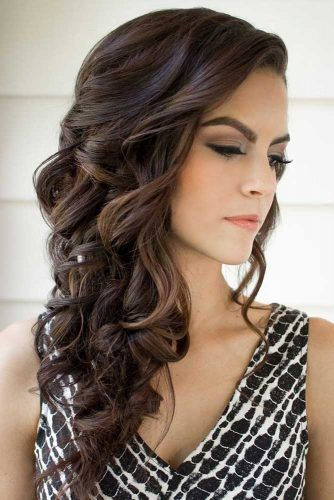 Christmas Party Hairstyles 2020 18 CHRISTMAS PARTY HAIRSTYLES FOR WAVY HAIR | Frisuren, Abendfrisuren
