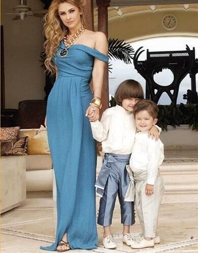 Aracely with her two sons, Miguel born on January 1, 2007, and Daniel born on December 18, 2008