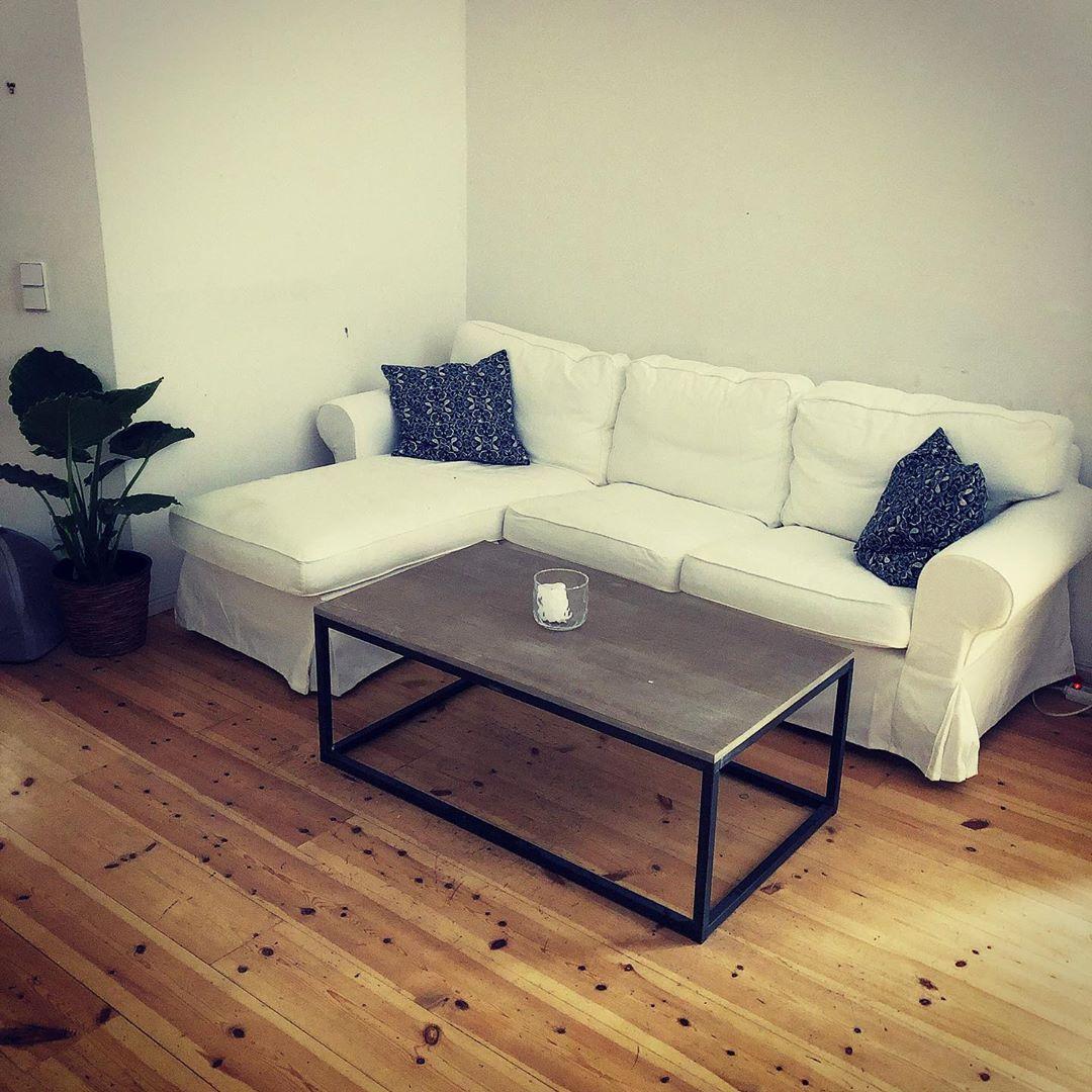 Sit Down And Relax Auch Die Couch Ecke Nimmt Langsam Gestalt An Das Sofa Habe Ich Vor Zwei Tagen Gebraucht Gekau Home Decor Furniture Sectional Couch