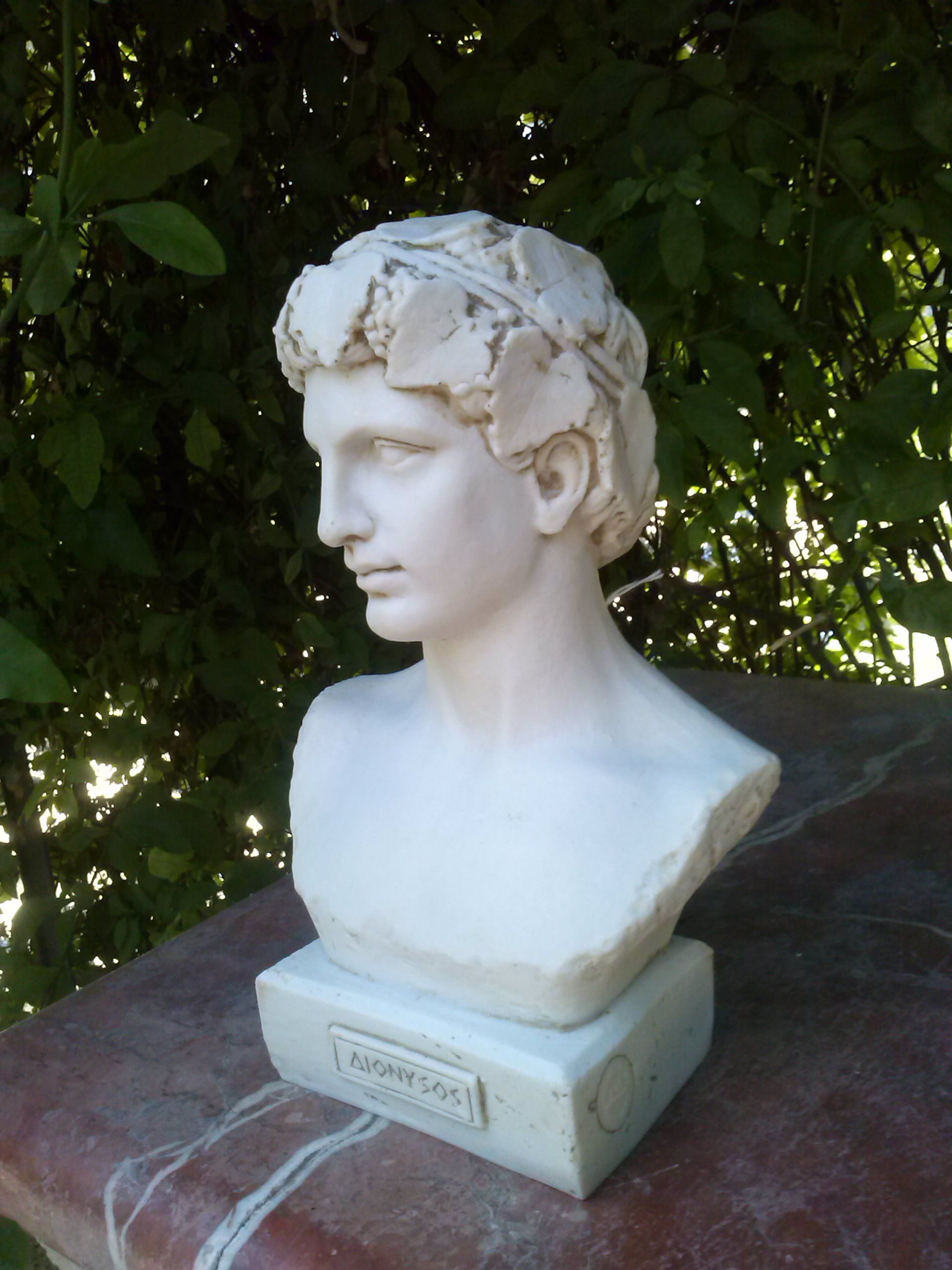 Pin En Sculpture
