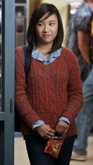 Jill's orange knit jumper on The Carrie Diaries