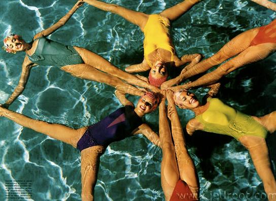 Synchronized style. #retro #swim
