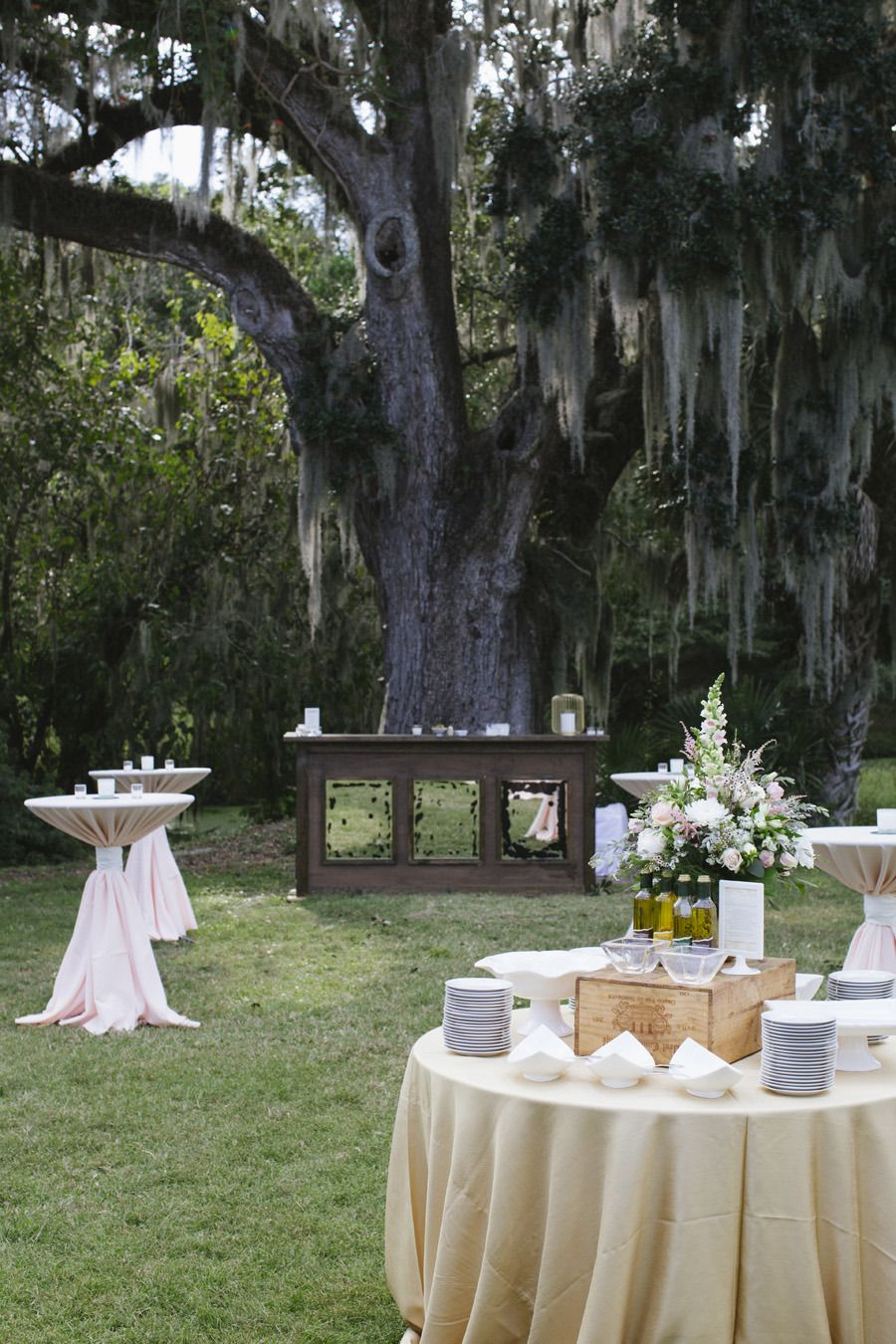 Photography: Paige Winn Photography - www.paigewinnphoto.com/  Read More: http://www.stylemepretty.com/2014/07/18/sweet-south-carolina-wedding-at-charlestowne-landing/