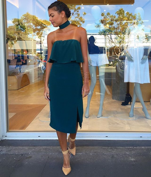 Get A glimpse of green in the Veleta Dress (belt worn around neck) shop 75518d6c3