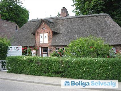 Kovej 3, 6280 Højer - Idyllisk byhus med stråtag #villa #byhus #højer #sønderjylland #selvsalg #boligsalg #boligdk