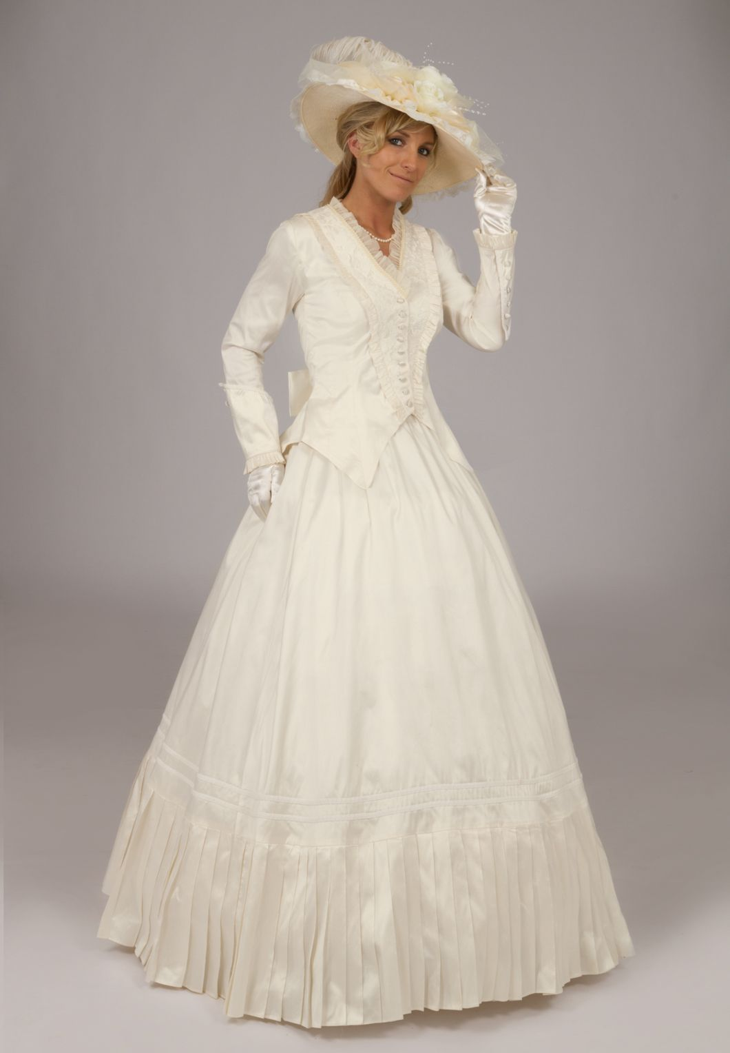 Civil war victorian styled gown recollections reproductions