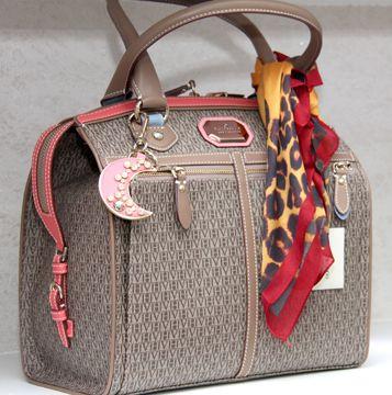 modelos de bolsas victor hugo …   Bolsas de Luxo   Pinte… d159a902f2