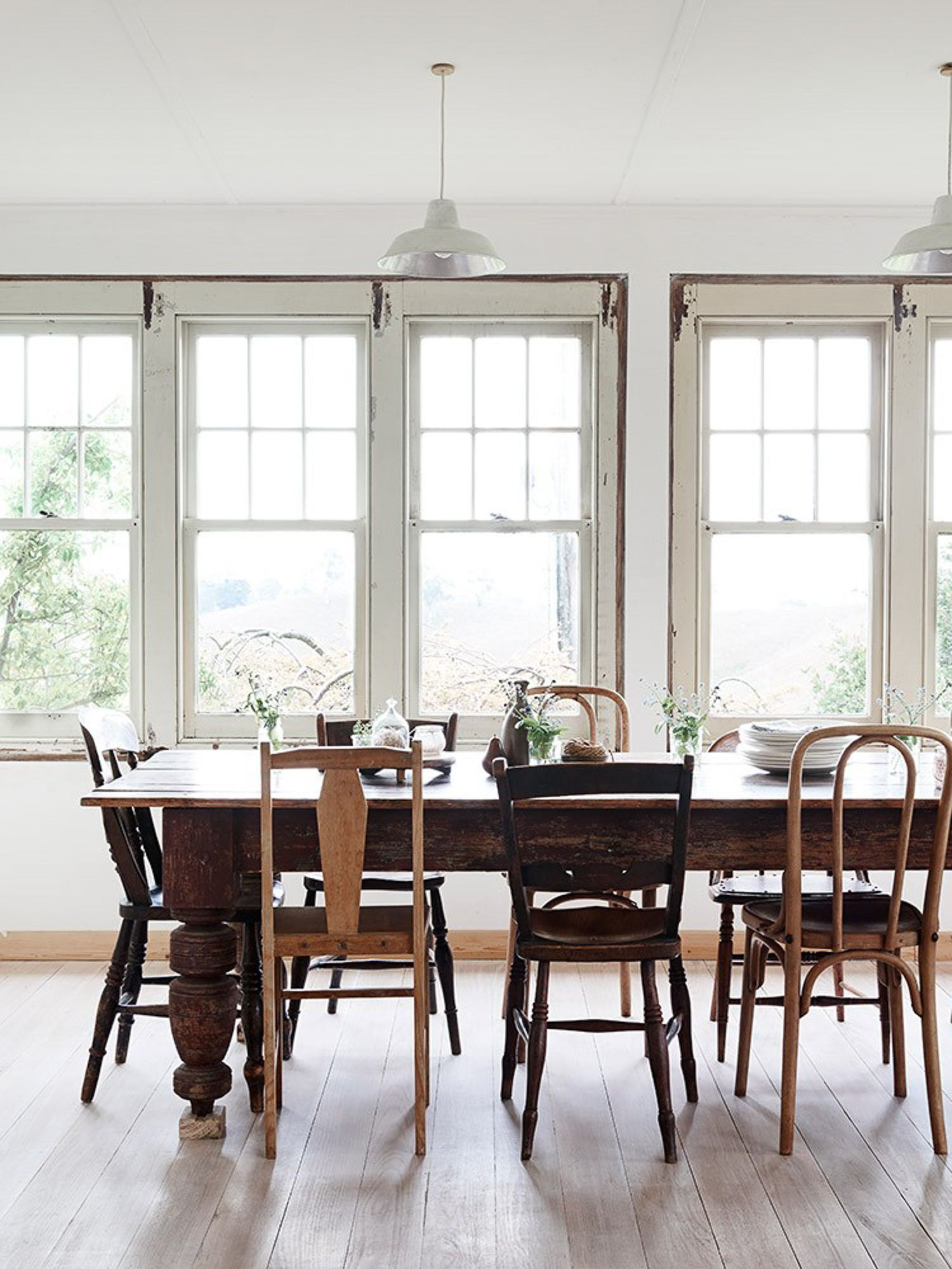5 Tips To Pulling Off The Mismatched Dinning Chair Trend My