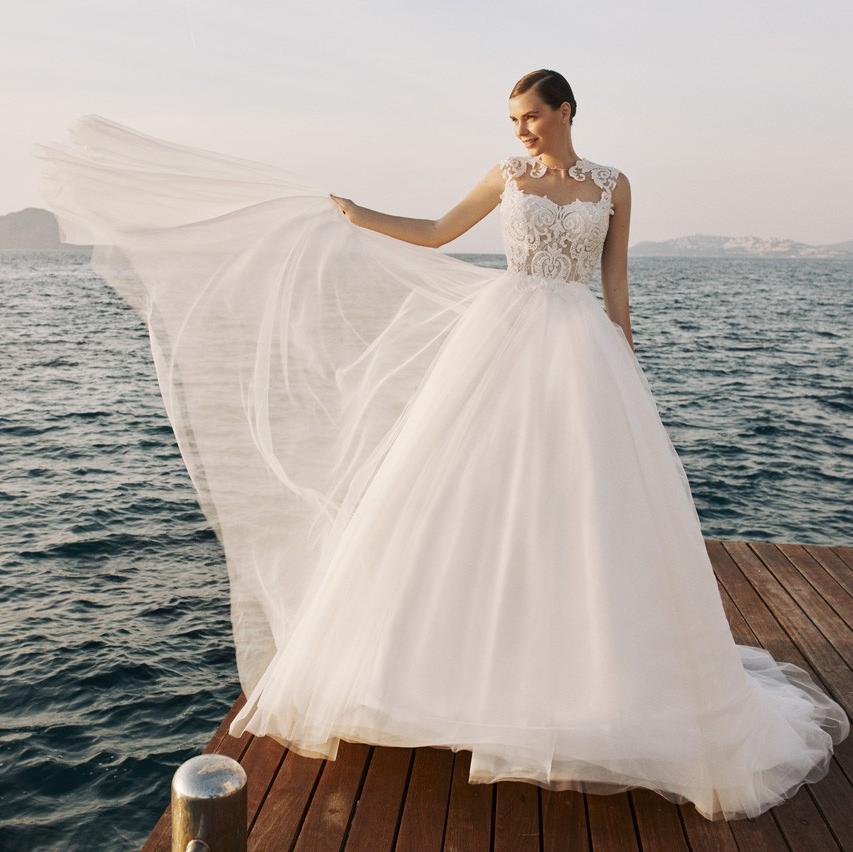 Relactive Ballgownweddingdress Ballgown Weddinggown Bridalgown Bridallook Weddinginspiratio Wedding Dresses Ball Gown Wedding Dress Wedding Dress Store