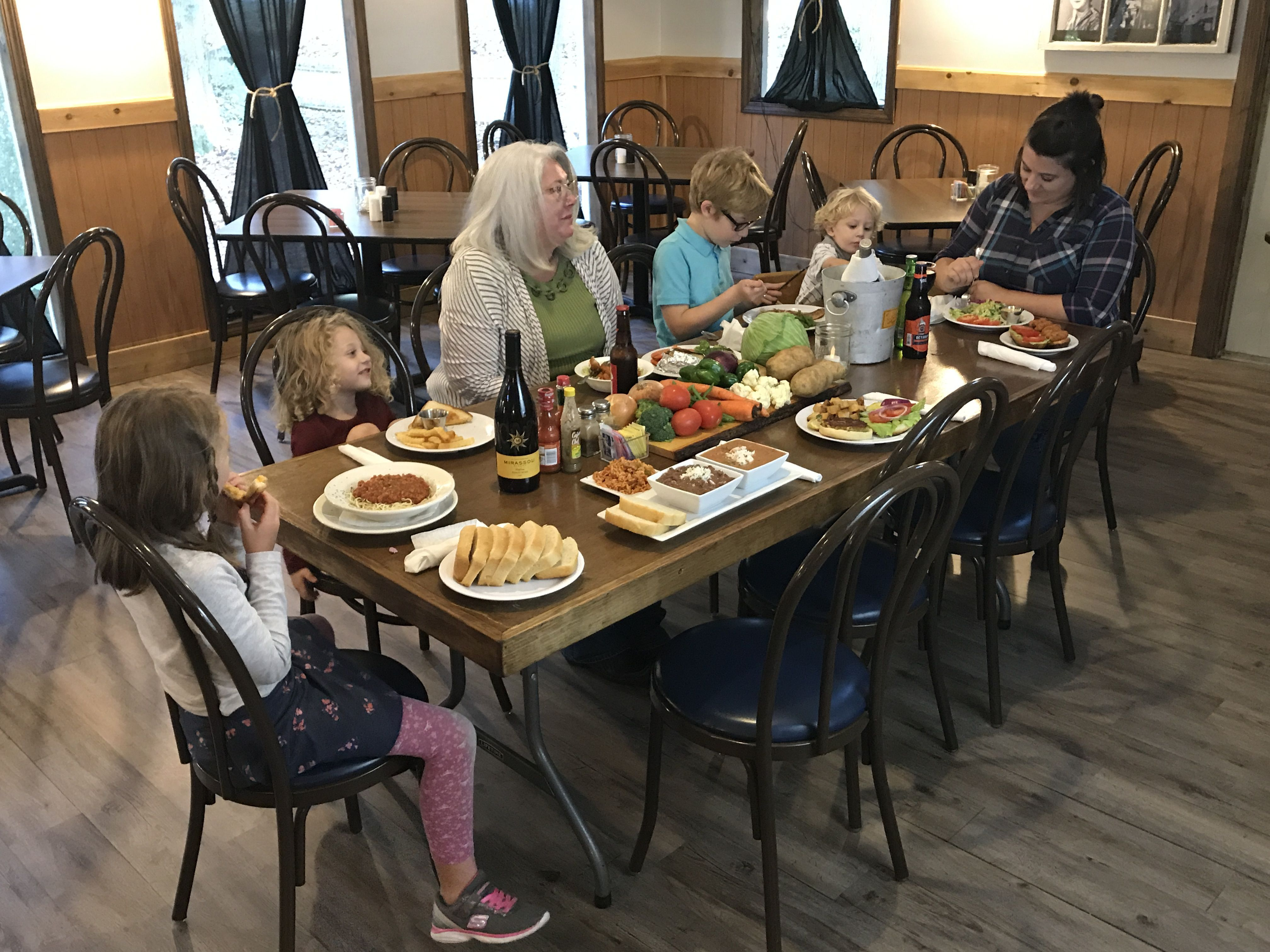 We Are Family Friendly And Have A Great Children S Menu Cricketsatpinemtn Pinemountainga Cricketsrestaurant Com Pine Mountain Restaurant Eat