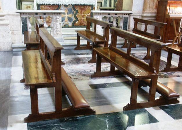 Catholic Church Pews Google Search Church Architecture Church Pew Bench Church Pew