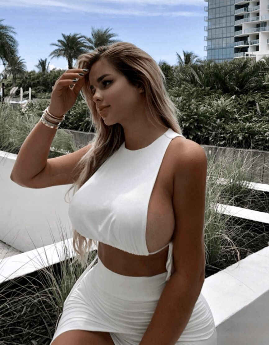 Sexiest huge busty woman in the world