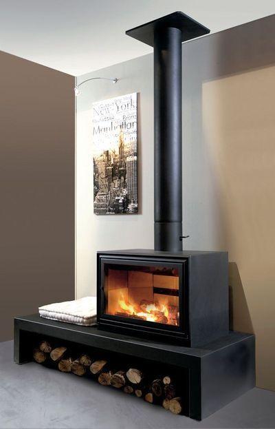 Un Poêle Ou Une Cheminée Avec Insert ça Change Tout Freestanding Fireplace Home Fireplace Wood Stove Fireplace