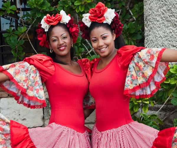 4 Dominican Republic Inspired Looks You Need Right Now Traditional Dresses Dominican Republic Clothing Dominican Girls