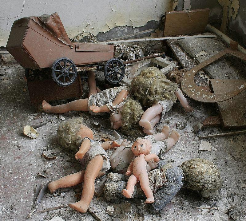 Puppenfriedhof (com Imagens)
