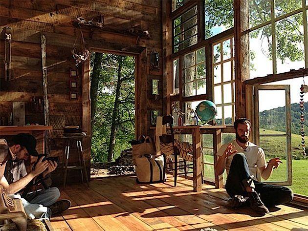 Eckfenster innenansicht  Selbstgebautes Haus aus Fenster - Innenansicht | Haus | Pinterest ...