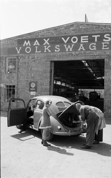 Vw Dealer Vintage Car Dealerships Volkswagen Vw Cars