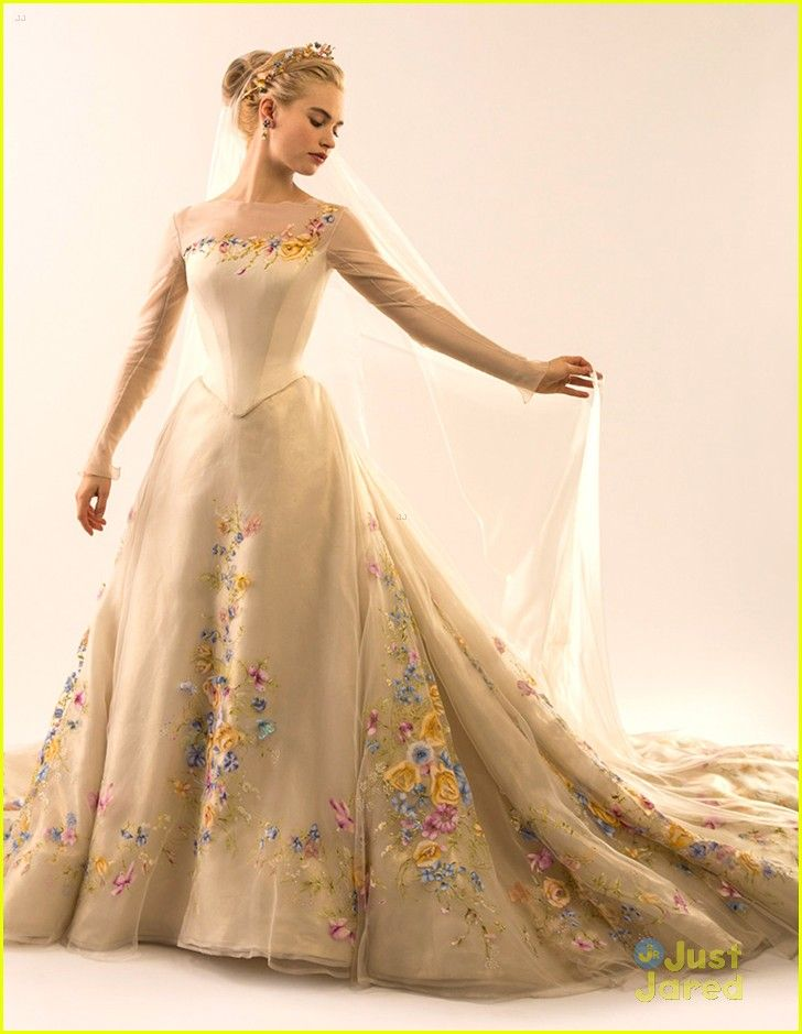 Lily James See Cinderella S Wedding Gown Now Lily James Cinderella Wedding Dress Wedding Dresses Cinderella Disney Wedding Dresses Fairy Tale Wedding Dress