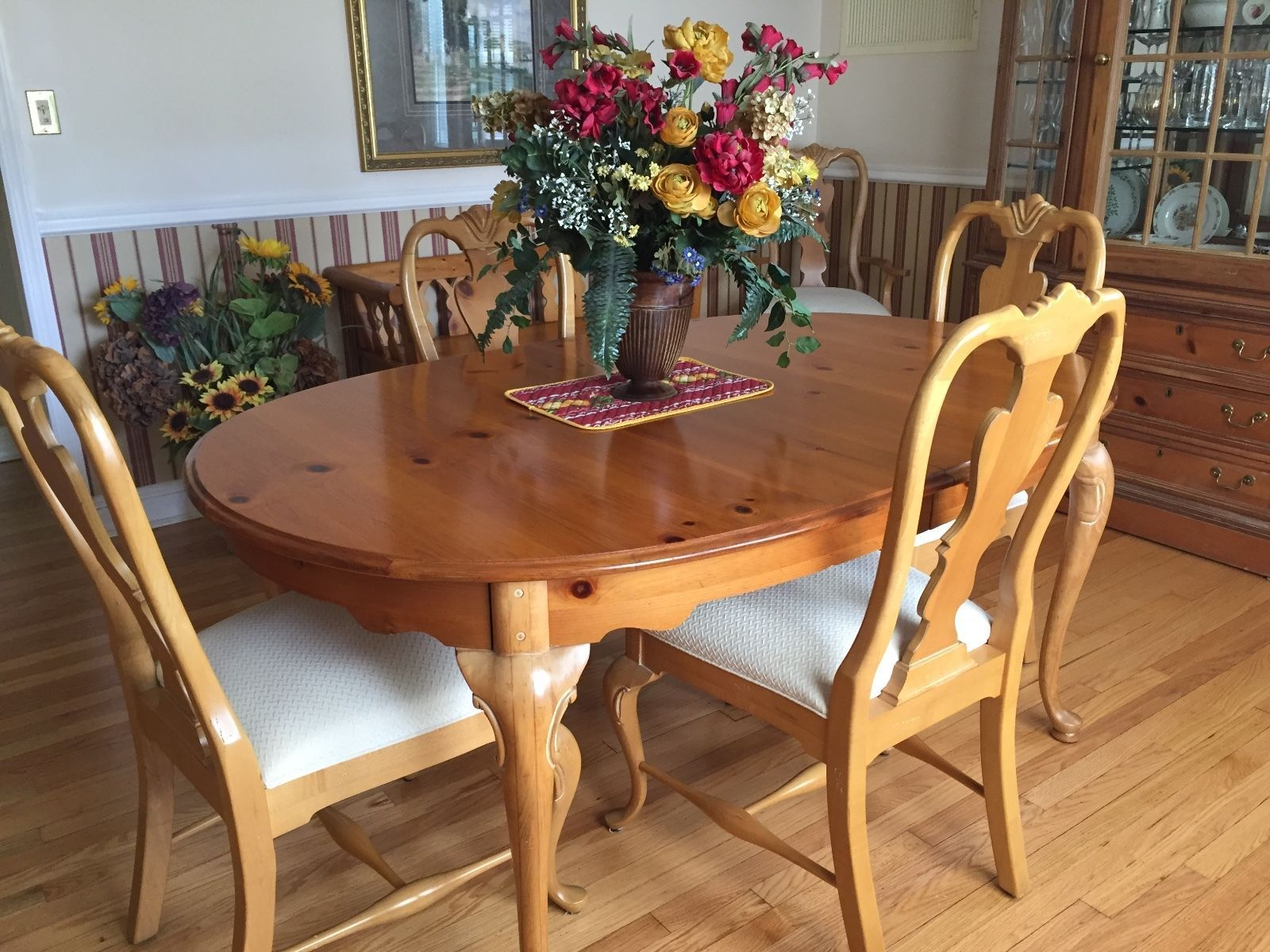 Thomasville Replica 1800 Dining Table And Chairs With China