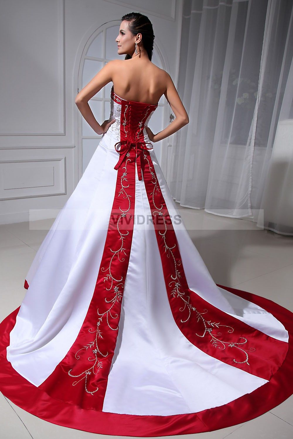 Pin By Naz Saiyed On Long Dress Wedding Dresses Corset Gowns Red Bridal Gown [ 1500 x 1000 Pixel ]