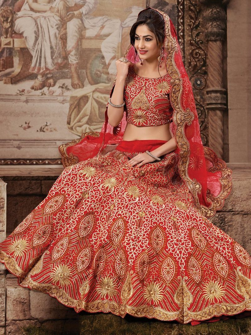 Indian bride Super look in red & golden lehnga Bridal