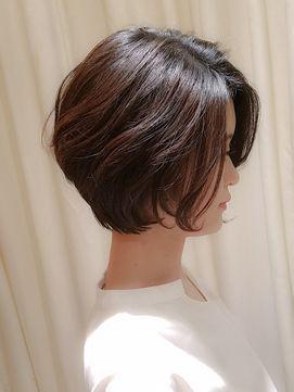 2018年春夏 Virgo 40代50代 前髪なしのゆるふわパーマの大人
