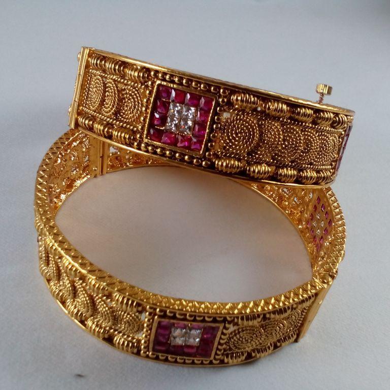 Buy designer pink gold tone kangan set with screw | haveaclick ...