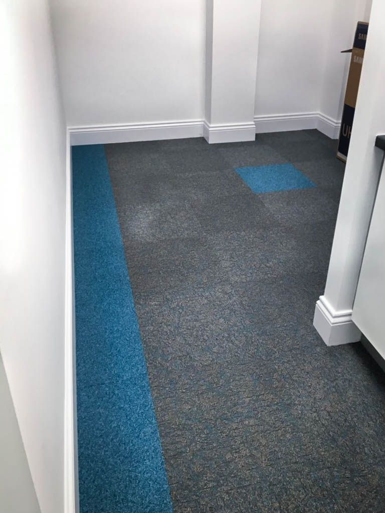 Blue And Grey Commercial Carpet Tiles For Your Office Desso Rock And Salt Flooring Inspiration Commercial Carpet Tiles Flooring Projects
