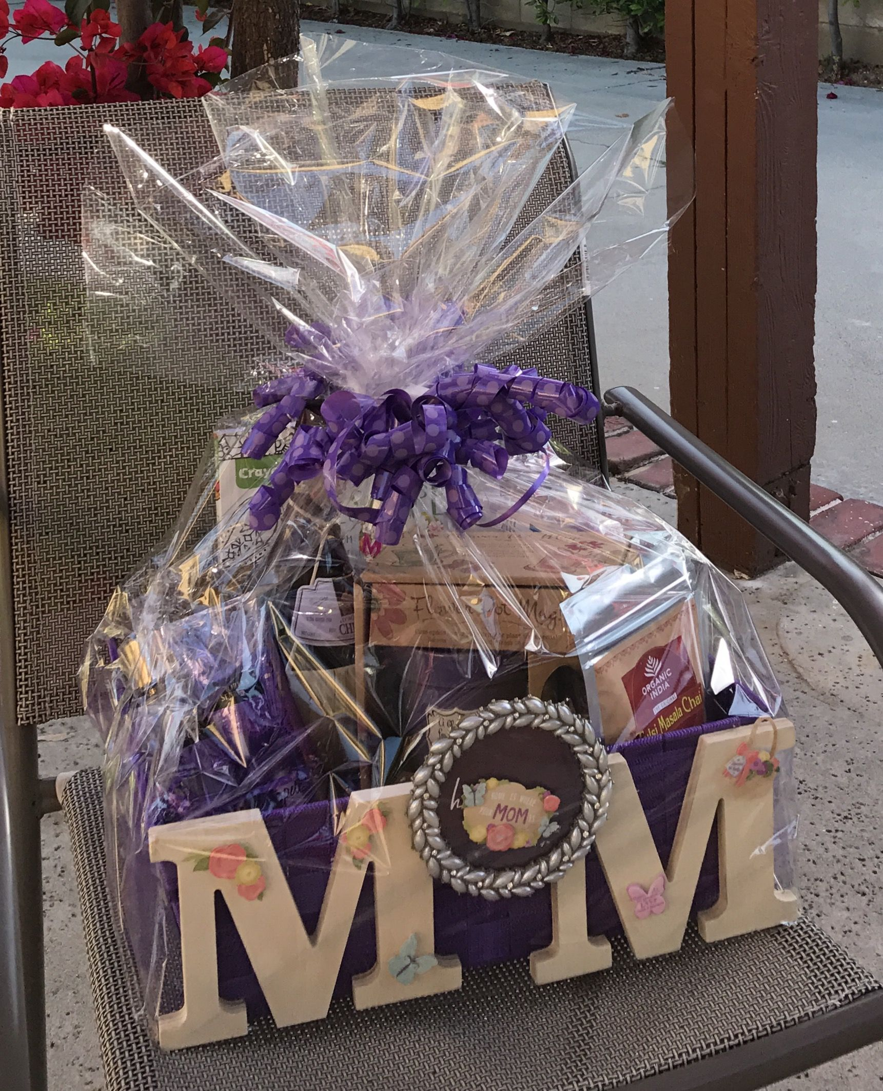 Mother S Day Gift Basket With Images Mother S Day Gift Baskets