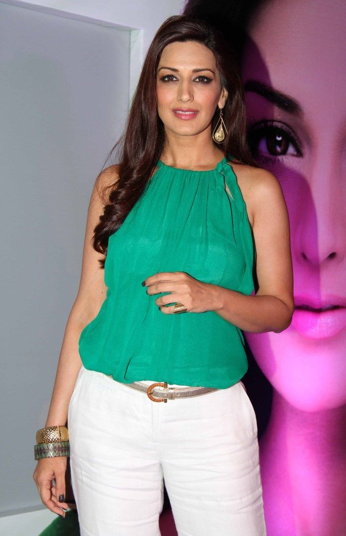 Bollytter: Sonali Bendres HQ Scans from Filmfare - July 2012