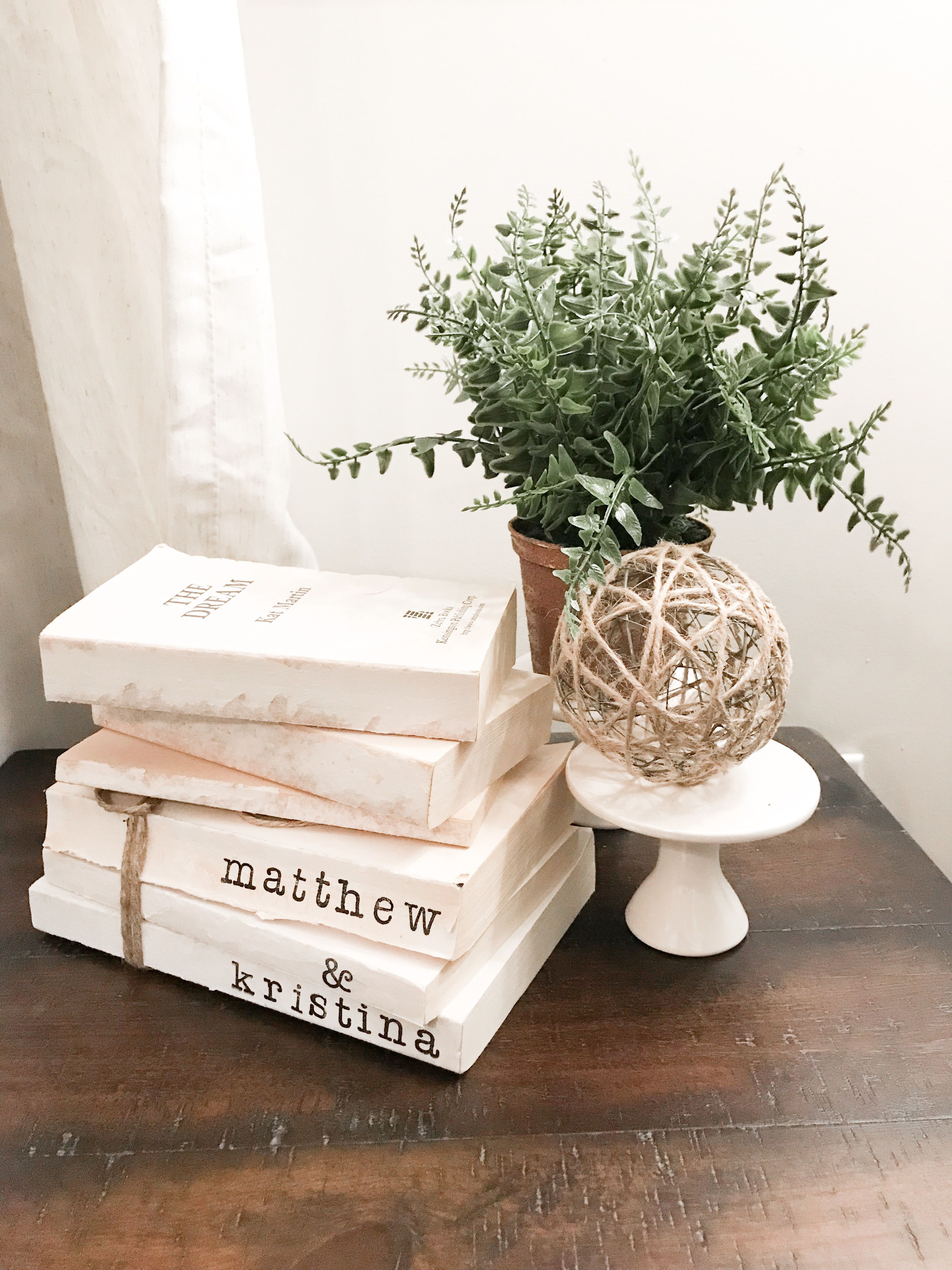 Simple Home Decor Ideas With Old Books