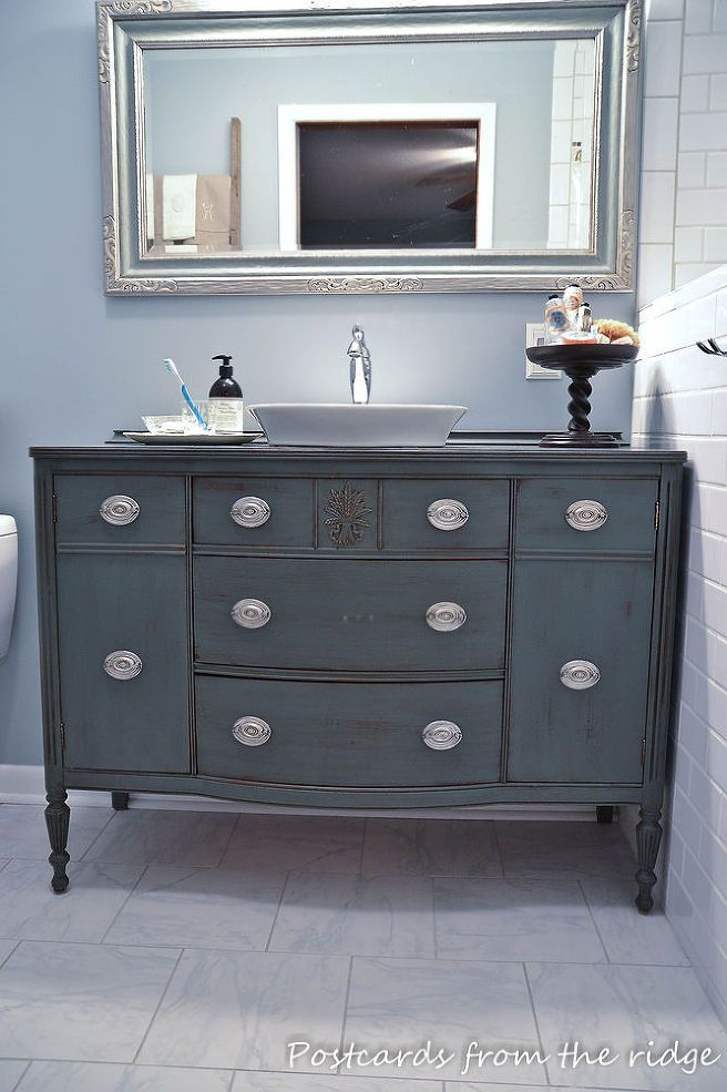 Repurposing our dining room buffet into a bathroom vanity for Commode de salle de bain