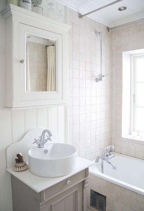 beautiful, small bathroom