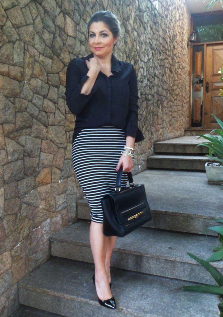 8dfc8f139 Look Work – Saia Midi Listrada e Camisa Preta | My Style (Look Work ...