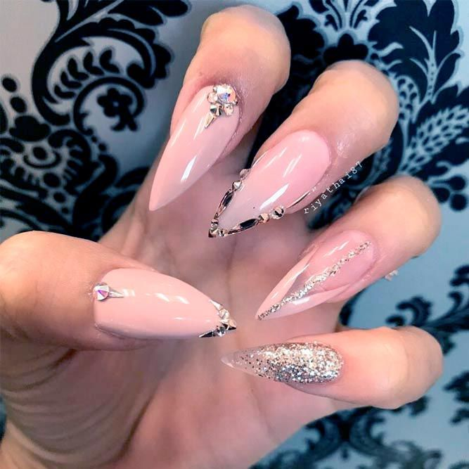 Fantabulous Pointy Nails Designs You Would Love to Have ☆ See more:  https://naildesignsjournal.com/pointy-nails-designs/ #nails - Fantabulous Pointy Nails Designs You Would Love To Have Pinterest