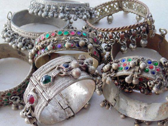 WL605 - Wholesale Lot of 8 Vintage Kuchi Bracelets