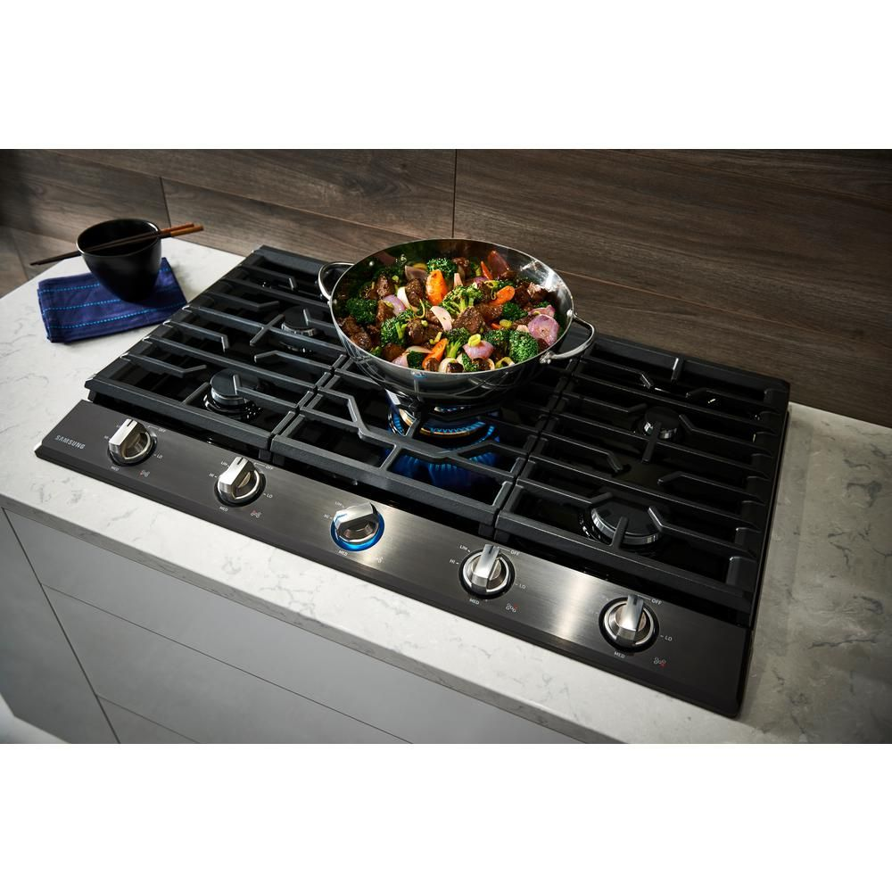 Samsung 36 In Gas Cooktop In Black Stainless Steel With 5 Burners