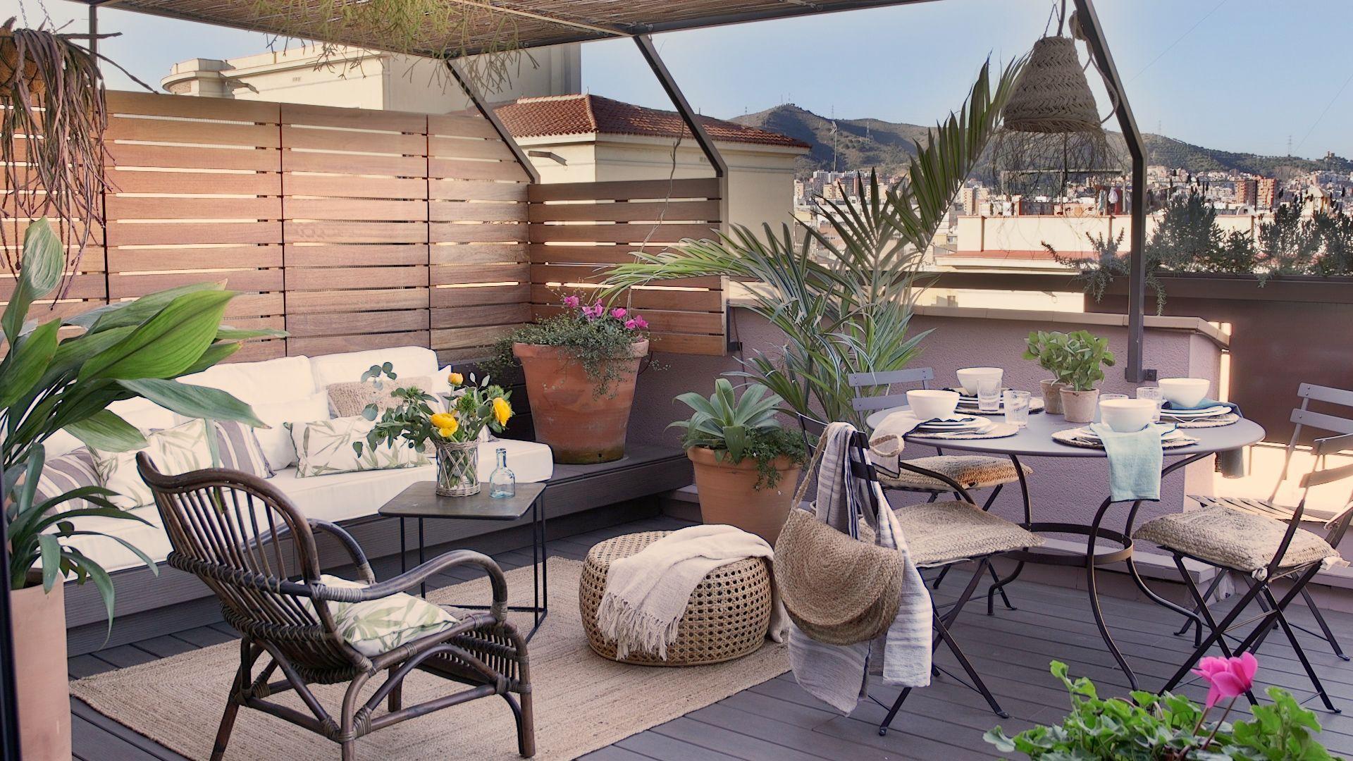 Una Casa De Pueblo Espectacular En El Corazon De Soller Mallorca En 2020 Diseno De Terraza Decoracion De Patio Diseno De Balcon