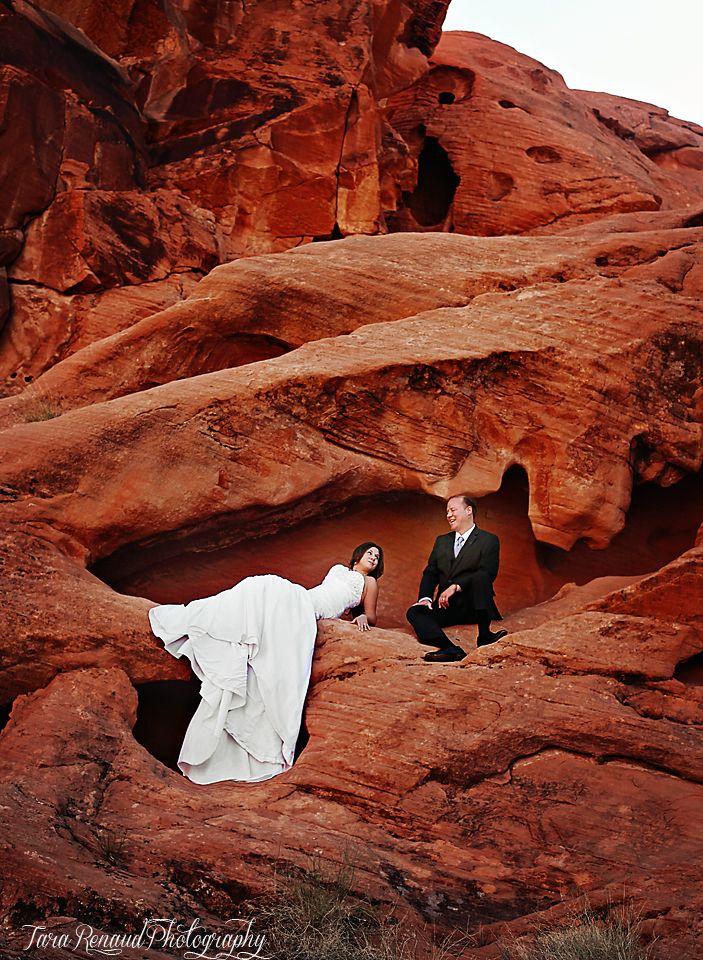 Desert wedding, valley of fire, Nevada wedding photography