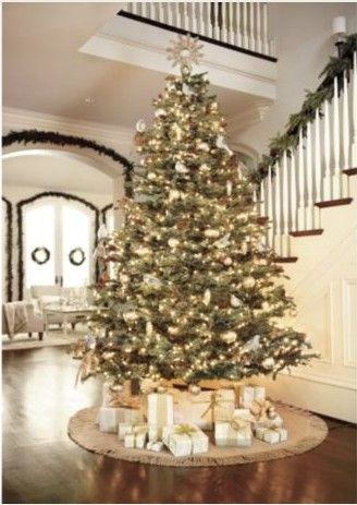 White and gold Christmas tree decorations! Put giant tree in entry - white christmas tree decorations