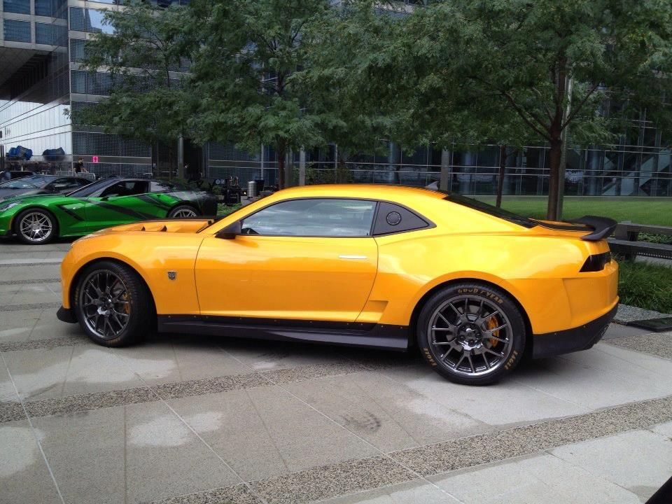 Look What The Folks Over At Chevy Exchange Found On The Set Of The New Transformers Movie The 2015 Chevy Camaro Concept Car Auto