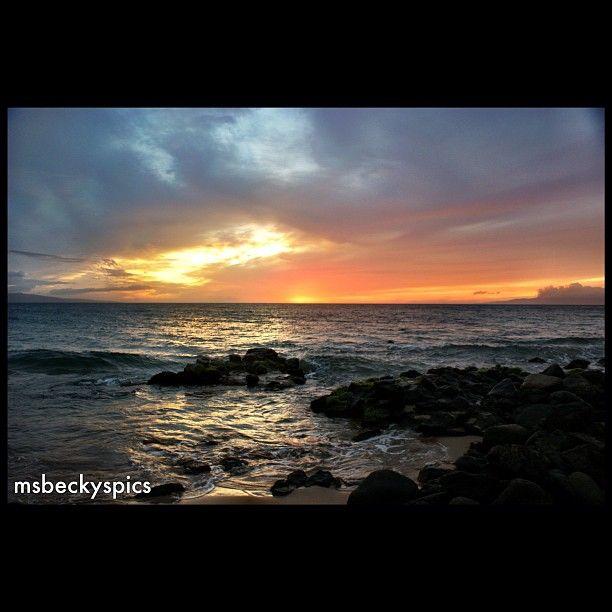 #sunset on #maui #hawaii #island #walking #amazing #clouds #cloudporn #sunporn #webstagram #statigram #gmy #gang_family #insta_shutter #hot_shotz #ignaturesfinest #rocks #ocean #beaches #colorful #bestoftoday #ig_daily #yousnapit - @msbeckyspics- #webstagram