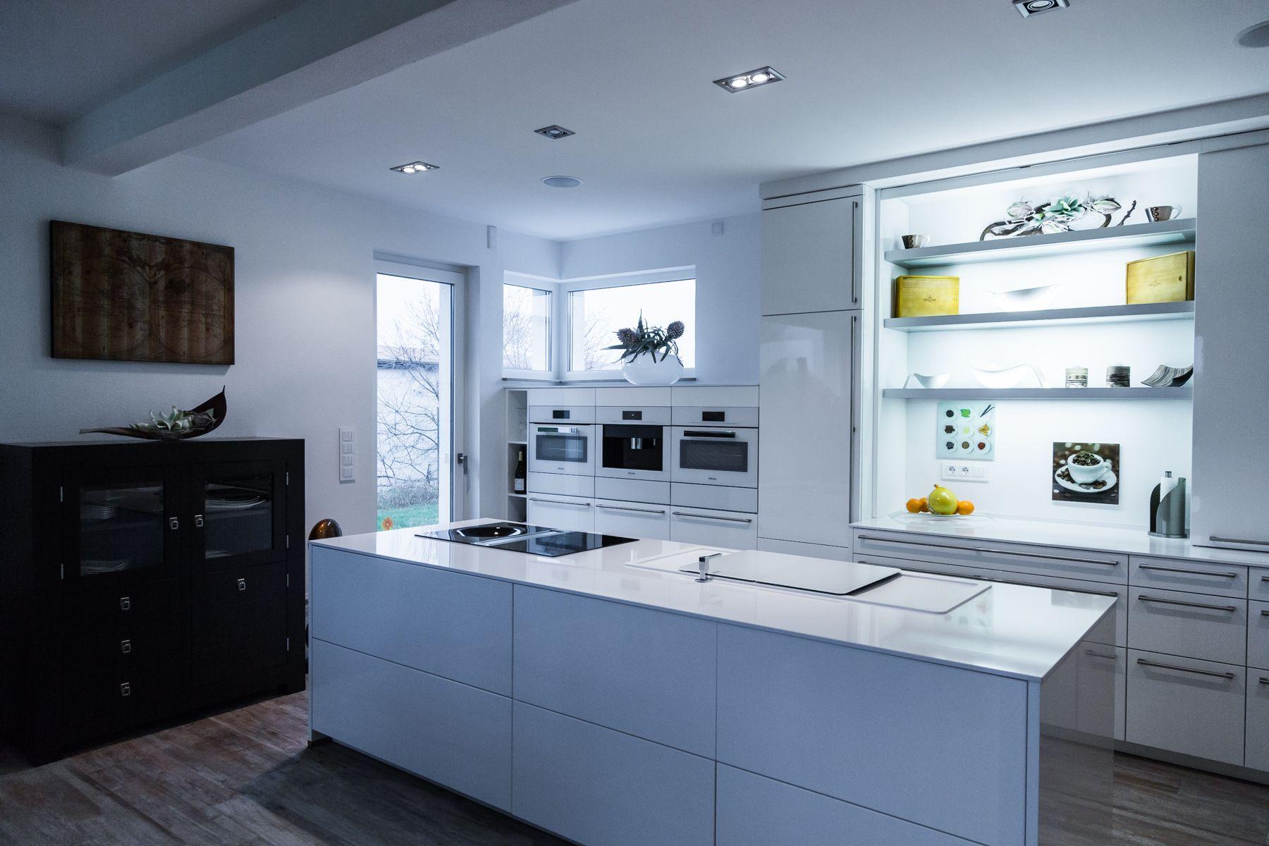 Moderne Küchen Designs 2018 Moderne Weiße Küche Edel Und Schlicht Wirkt  Diese Weiße Küche Das