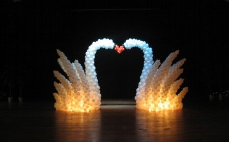 SWANS #balloon #decor #lighting #balloon #art #lighting #balloon