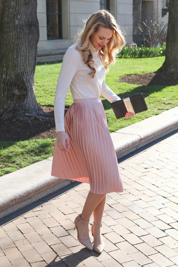 aa2823105ac Dusty rose pleated midi skirt from  Topshop paired when simple and classic  neutral pieces for a feminine and soft look.