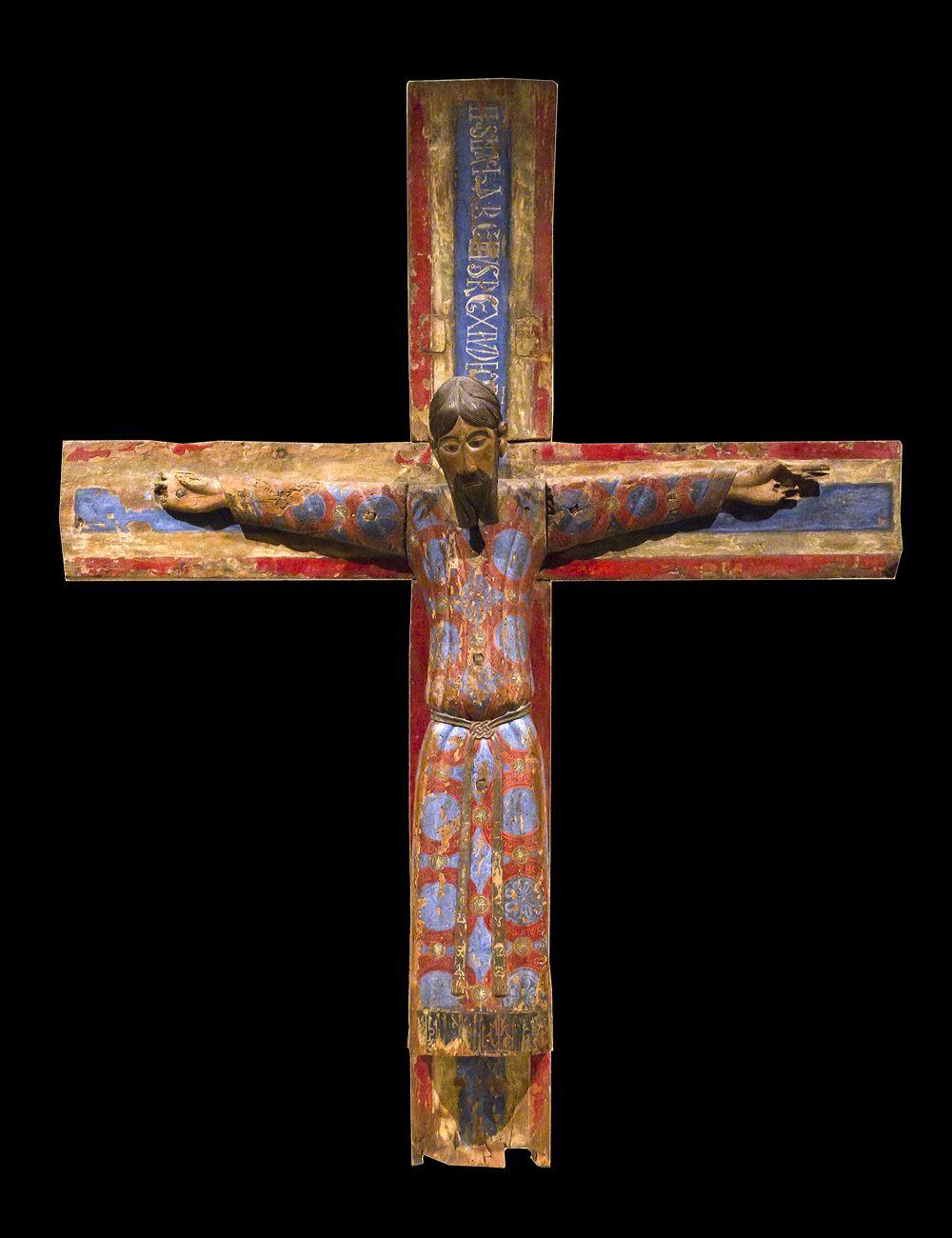 En el Románico la escultura de bulto redondo aparece exclusivamente reducida a las imágenes de Cristo crucificado.