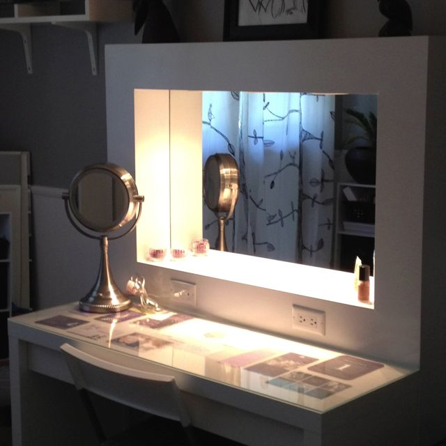 Best 25 homemade vanity ideas on pinterest dressing for Small makeup vanity table without mirror